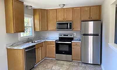 Kitchen, 860 Camaleer Pass, 1