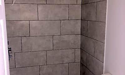 Bathroom, 642 Indiana Ave, 2