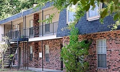 Building, Biloxi Oaks Apartments, 0