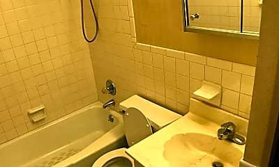 Bathroom, Diamond Oaks Apartments, 2
