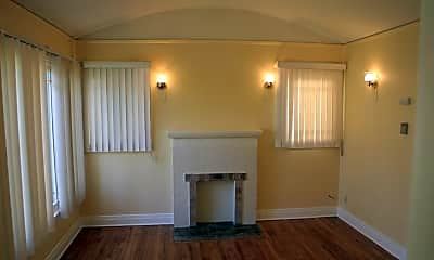 Living Room, 531 S F St, 1