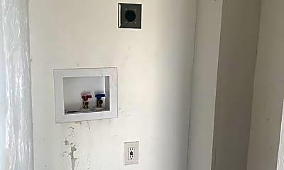 Bathroom, 613 Fairground Ave, 1