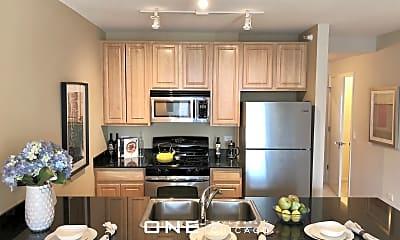 Kitchen, 337 N Des Plaines St, 1