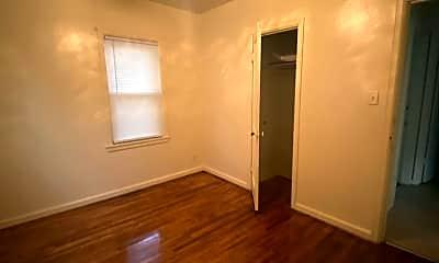 Bedroom, 911 Conger St, 2