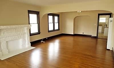 Living Room, 133 N Citrus St, 1