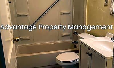 Bathroom, 2616 Arlington Ave, 2
