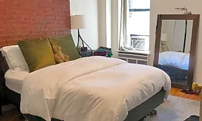 Bedroom, 147 E 81st St, 1