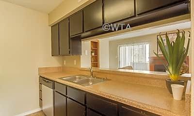 Kitchen, 2600 N E Loop 410, 1