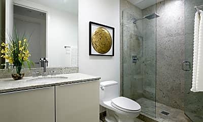Bathroom, 1011 N Dearborn St, 2