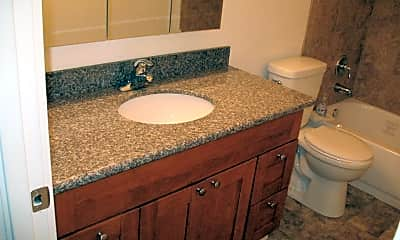 Bathroom, 3326 Lombard Ave, 1
