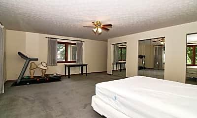 Bedroom, 4631 Graceland Ave, 2
