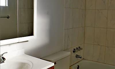Bathroom, 1905 California Ave, 2