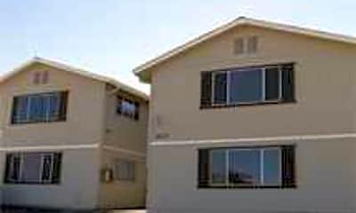 Henderson Apartments, 1