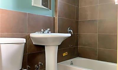 Bathroom, 91-19 172nd St, 1