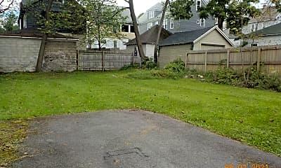 Building, 340 Roosevelt Ave, 2
