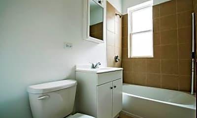 Bathroom, 701 S Karlov, 2