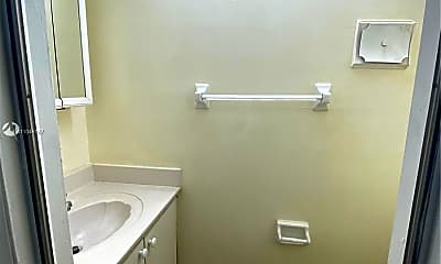 Bathroom, 8600 SW 109th Ave 4-211, 2