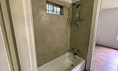 Bathroom, 307 S 2nd St, 2