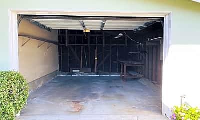 Patio / Deck, 2925 Petaluma Ave, 2