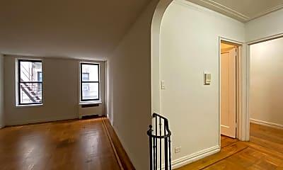 Living Room, 600 W 218th St, 1