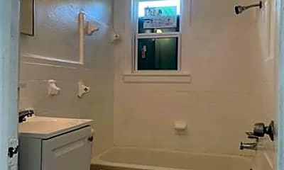 Bathroom, 2803 Carter St, 1