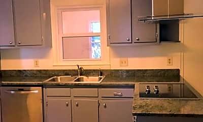 Kitchen, 484 Pineview Drive, 2