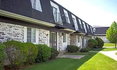 Courtyard, Cleora Manor, 2