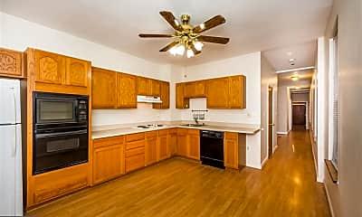 Kitchen, 827 S Bond St 2, 1