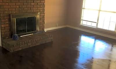 Living Room, 7448 Kingcrest Cove, 1