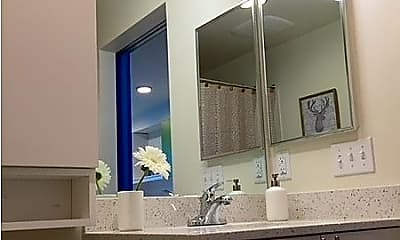 Bathroom, Lofts at the Junction, 2