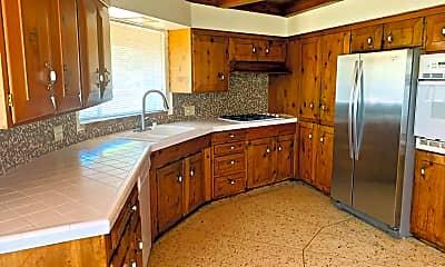 Kitchen, 2835 Verda Ave, 1