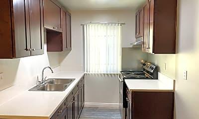 Kitchen, 447 S Berendo St, 0