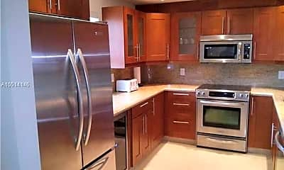 Kitchen, 565 Oaks Ln 511, 1