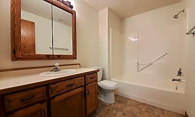 Bathroom, 1735 34th St S, 2