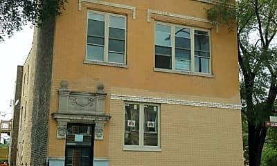 Building, 1800 S Homan Ave, 1