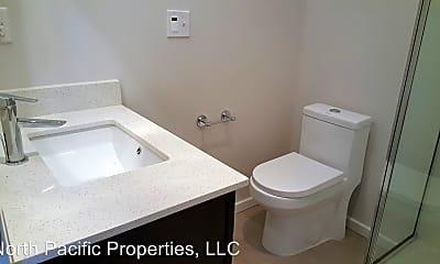 Bathroom, 813 N 44th St, 2