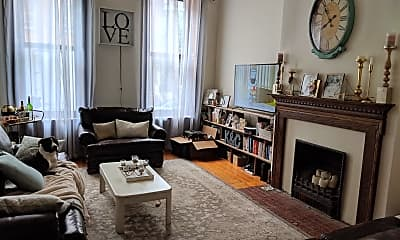 Living Room, 1713 Green St 2, 1