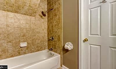 Bathroom, 1459 Light St C, 2