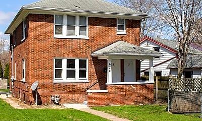 Building, 638 N Winnebago St, 2