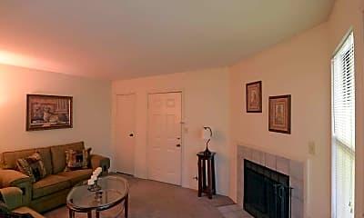 Living Room, Wildwood Village Apartments, 1
