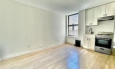 Living Room, 137 W 137th St 6-D, 2
