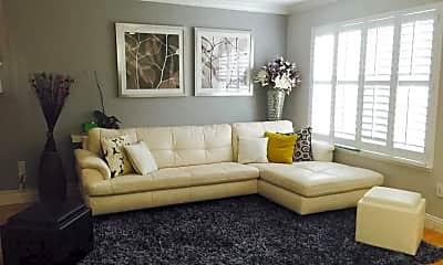 Living Room, 2206 Amberwood Ln, 1