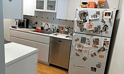 Kitchen, 75 Clarendon St, 1