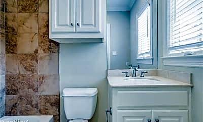 Bathroom, 4134 Grassmere Ln, 2