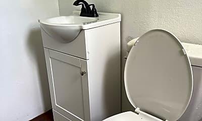 Bathroom, 1017 W 6th St, 1