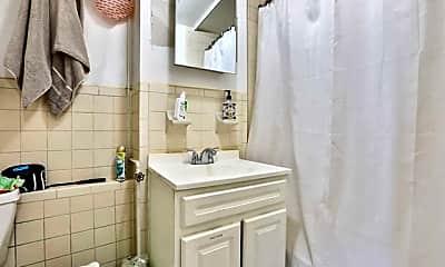 Bathroom, 185 Newark Ave 2, 2