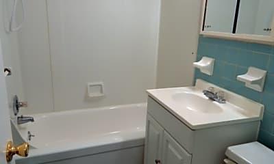 Bathroom, 1835 Johnston St, 2