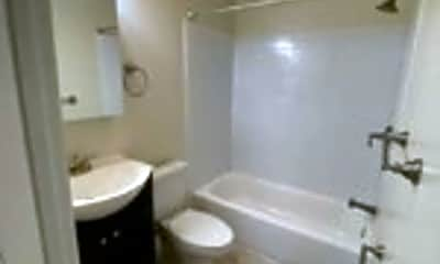 Bathroom, 2205 Walnut St, 1