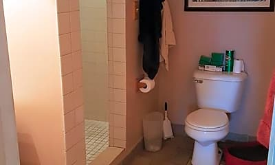 Bathroom, 115 Huntingdon Pike, 2