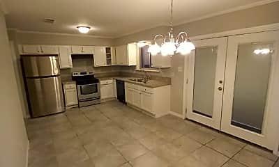 Kitchen, 708 E Plum St, 1